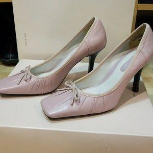 Pale Pink Enzo Angiini Pump